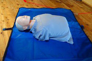 CPR用人形