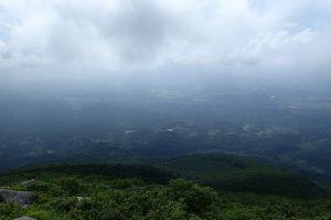 姫神山頂から岩手山方面の景色